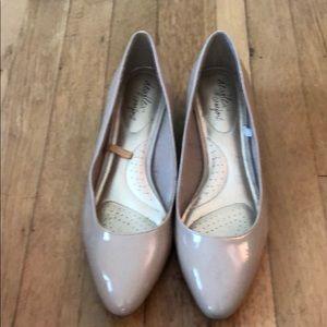 Tan dress shoe with wedge heel